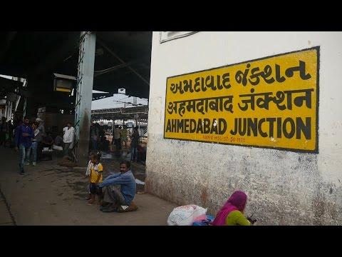 Ahmedabad Junction railway station,Gujarat,India.अहमदाबाद जंक्शन रेलवे स्टेशन,गुजरात,भारत.Train