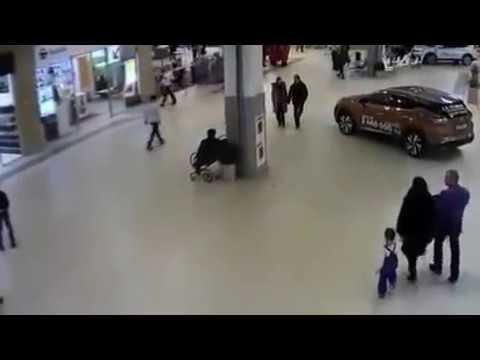 Падение ребенка с Сигвея попало на камеру в Сургуте