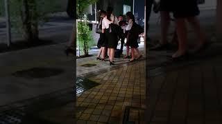 JR御茶ノ水駅前の歩道に自転車を停めて近くのdisk UNIONで買い物をした...