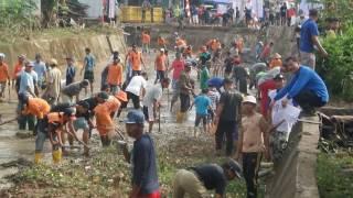 Goro Di Tiban Lama, Walikota Batam Nyebur Di Sungai