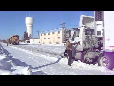 BNSF train, semitrailer narrowly avert collision - Brainerd Dispatch, MN
