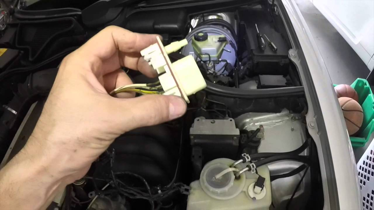 headlights harness replacement mercedes benz e320 1997 w210 youtube rh youtube com mercedes w211 headlight wiring mercedes w211 headlight wiring diagram [ 1280 x 720 Pixel ]