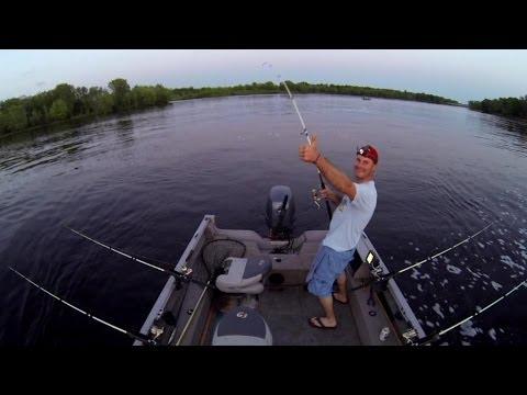Catfishing Wisconsin River 2014