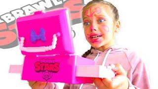 Бравл Старс ПРОТИВ куклы Беби Бон! Папа играет в Brawl Stars!🤨 Ева  шутит - Скетч