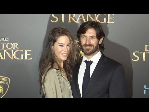 "Eoin Macken & Roxanne McKee ""Doctor Strange"" World Premiere Red Carpet"