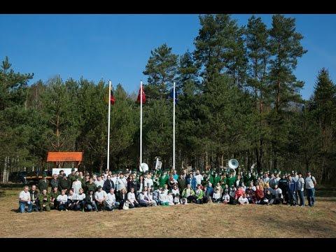 Seimo nariai, kanceliarijos darbuotojai pasodino Europos mišką