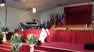 Overcoming Church Praise Dance - No Gray by Johnathan McReynolds