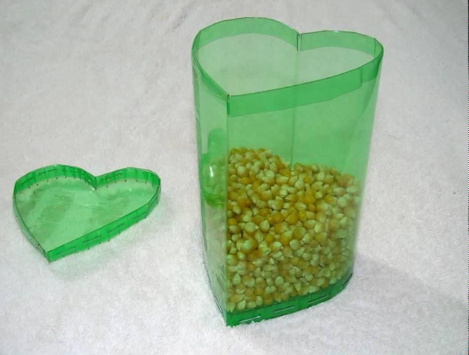 Caja en forma de coraz n hecha con botellas de pet v deo - Botellas de plastico manualidades ...