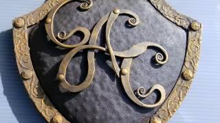 Красивые кованые буквы, вензеля, инициалы художественная ковка букв