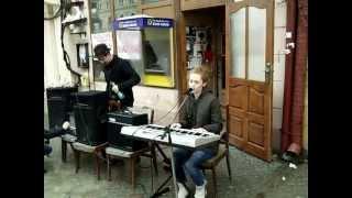 Чернівецькі музиканти заступилися за  книгарні.  Ч II