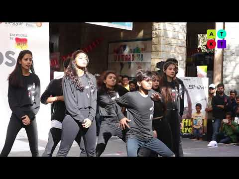 Stunning Freestyle Dance Showcase by 'Black Rapsody' Dance Crew of TSEC | Unmaad 2018