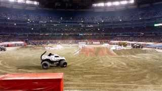 Monster Jam Monster Mutt Dalmation Freestyle - Toronto Ontario, Nov. 19th 2014