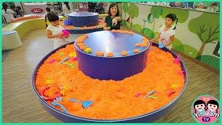 หนูยิ้มหนูแย้ม   เล่นทรายมหัศจรรย์ Indoor Playground Kidzooona สาขาเมกาบางนา