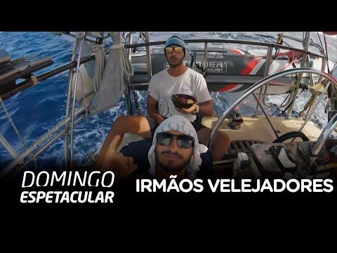 Irmãos velejadores cruzam