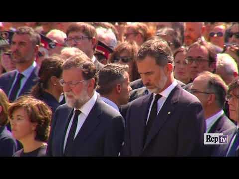 Barcellona, un minuto di silenzio per ricordare le vittime dell'attentato