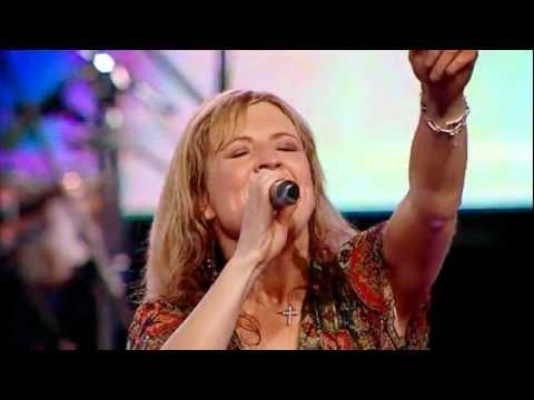 Hillsong Portuguese  Mighty To save songs