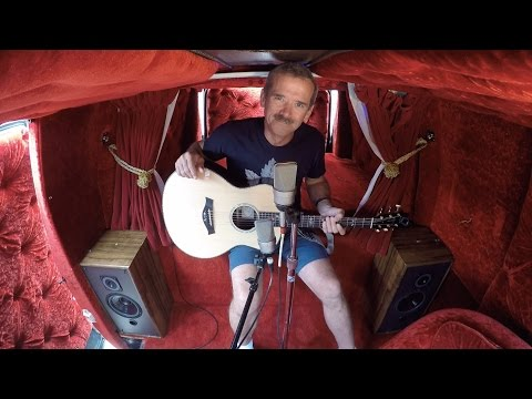 Dan's Space Van S2/E1 feat. Col. Chris Hadfield en streaming