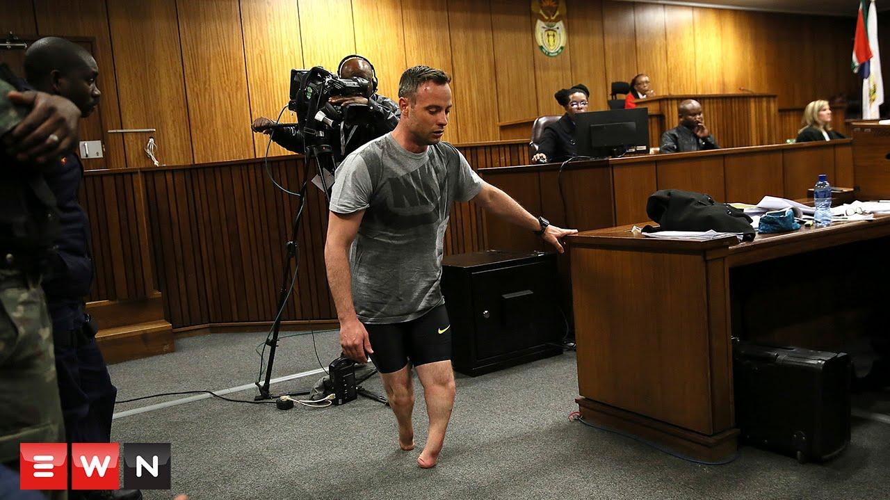 Advocate Barry Roux shows court Oscar Pistorius' vulnerability.