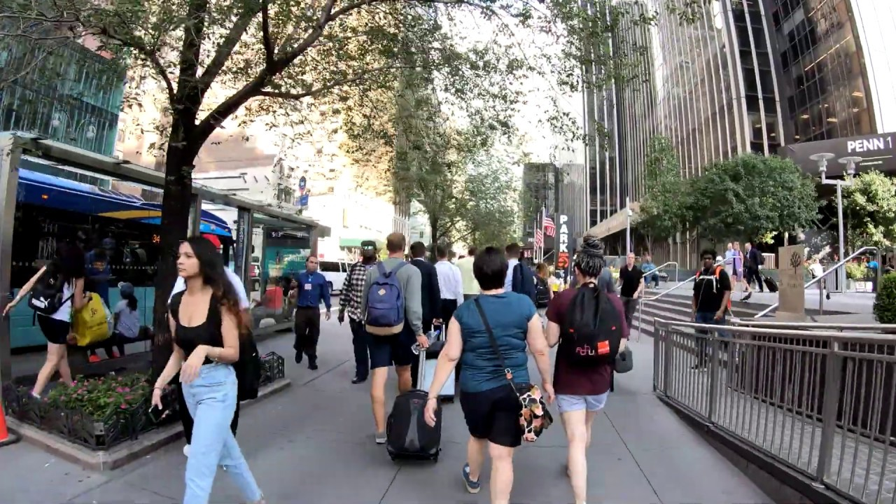 ⁴ᴷ⁶⁰ Walking NYC (Narrated) : B&H Photo & Video Store to Macy's Herald  Square (July 25, 2019)