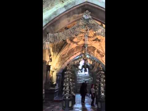 الإشاعات و كنيسة مبنية من عظام البشر!!