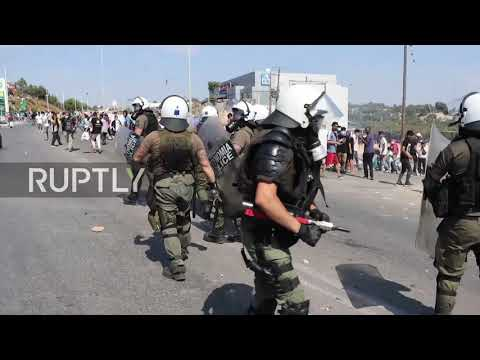 Greece: Tensions, arrests as Lesbos police use tear gas to scatter refugees