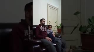 فيديو جميل لطفلة صغيرة تصحح لأبيها أخطاءه في قراءة القرآن