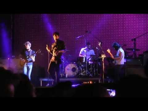 "Young The Giant- ""Waves"" (720p) Live In Las Vegas On 9-27-14"