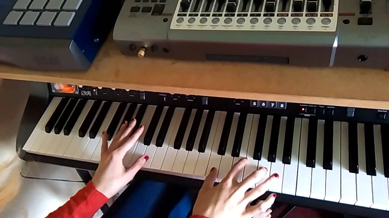 Learning to play lou reeds perfect day on piano day 1 youtube learning to play lou reeds perfect day on piano day 1 hexwebz Images