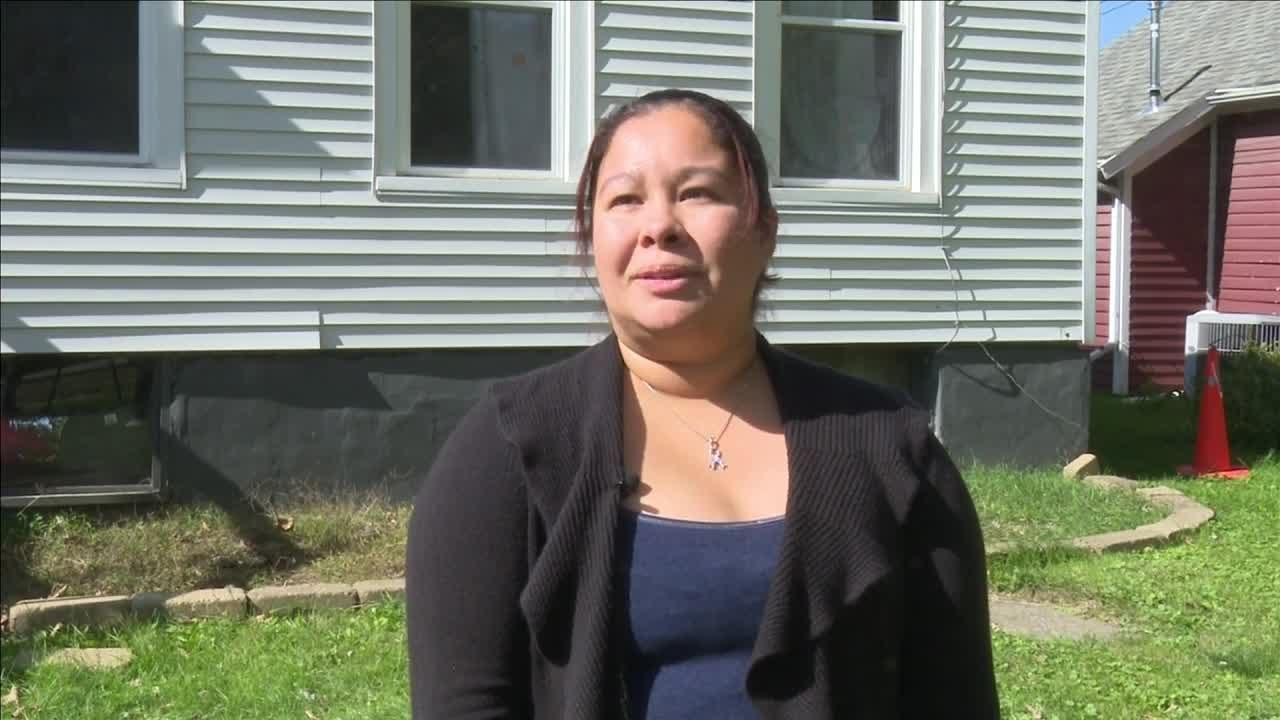 Bloomington Mother Says Halloween Decorations Were Stolen