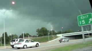 Tornado/funnel cloud Louisville Ky 6 22 2011 - HD video
