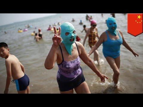 まるで覆面レスラー!顔用水着「フェイスキニ」が中国で大人気