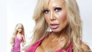 Repeat youtube video Woman Transforms Herself Into Plastic SEX Doll - Blondie Bennett
