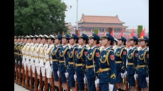What does it take to become a PLA honor guard?