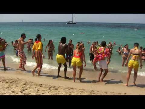 Sardinia - Calaserena Village - Group Dancing On The Beach  - 13.7.2016