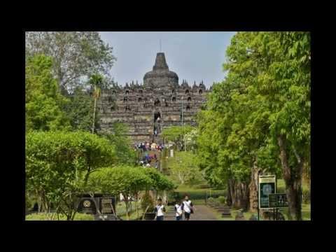 Le Temple De Borobudur - Île De Java - Indonésie