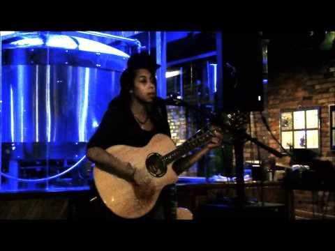 Huske Hardware House 2012 Singer/Songwriter Competition
