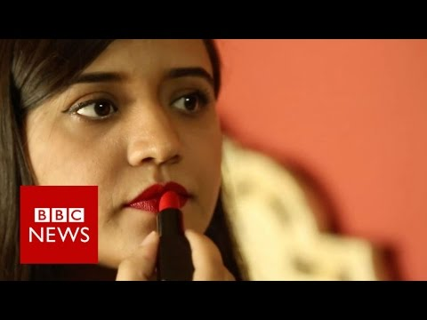 Defying her family in Pakistan - BBC News