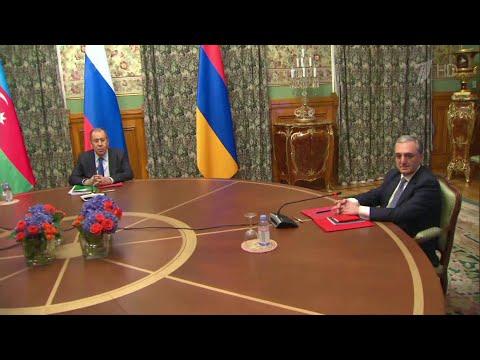 В Москве по призыву президента России стартовали переговоры глав МИД Армении и Азербайджана.