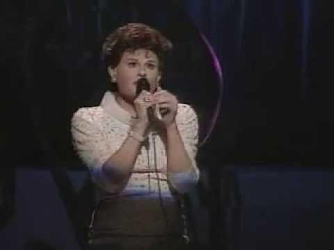 JIM BAILEY sings Judy Garlands 'Over the Rainbow
