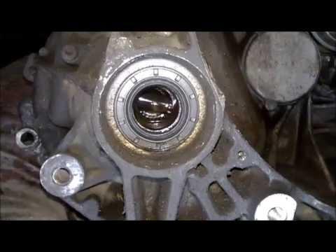 Jeep Cherokee Forum >> wymiana uszczelniacza (simmering) skrzyni biegów - YouTube