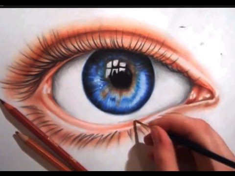drawing-an-eye-using-colored-pencils