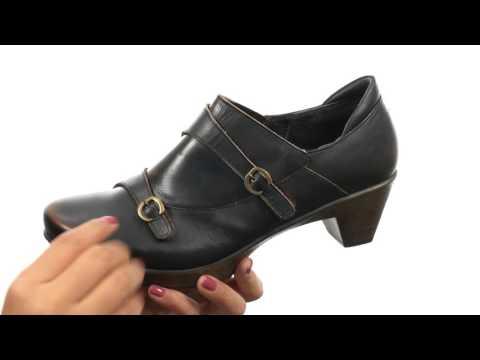 Naot Footwear Present  SKU:8577567