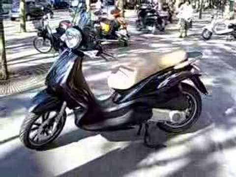 scooter piaggio 125 beverly tourer youtube. Black Bedroom Furniture Sets. Home Design Ideas