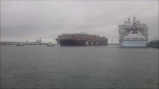 Harmony of the Seas and MSC Istanbul - Timelapse
