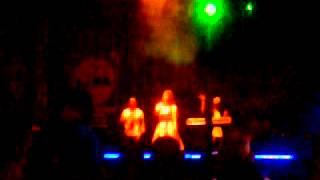 Alexandra ungureanu & crush -party on @live brasov mix music evo!