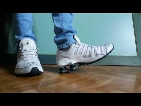 00292788e0b04e Nike shox NZ premium white and blue skinny jeans - YouTube