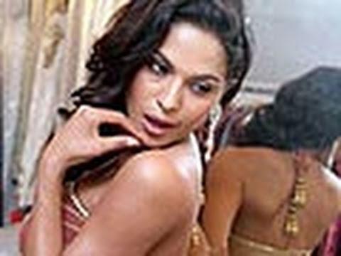 Veena malik hot and sexy