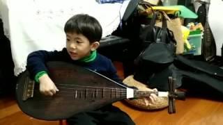 5岁男孩唱南音