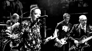 Garbage - Automatic Systematic Habit (Music Video)