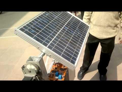 Solar tracker with gear mechanism.mp4